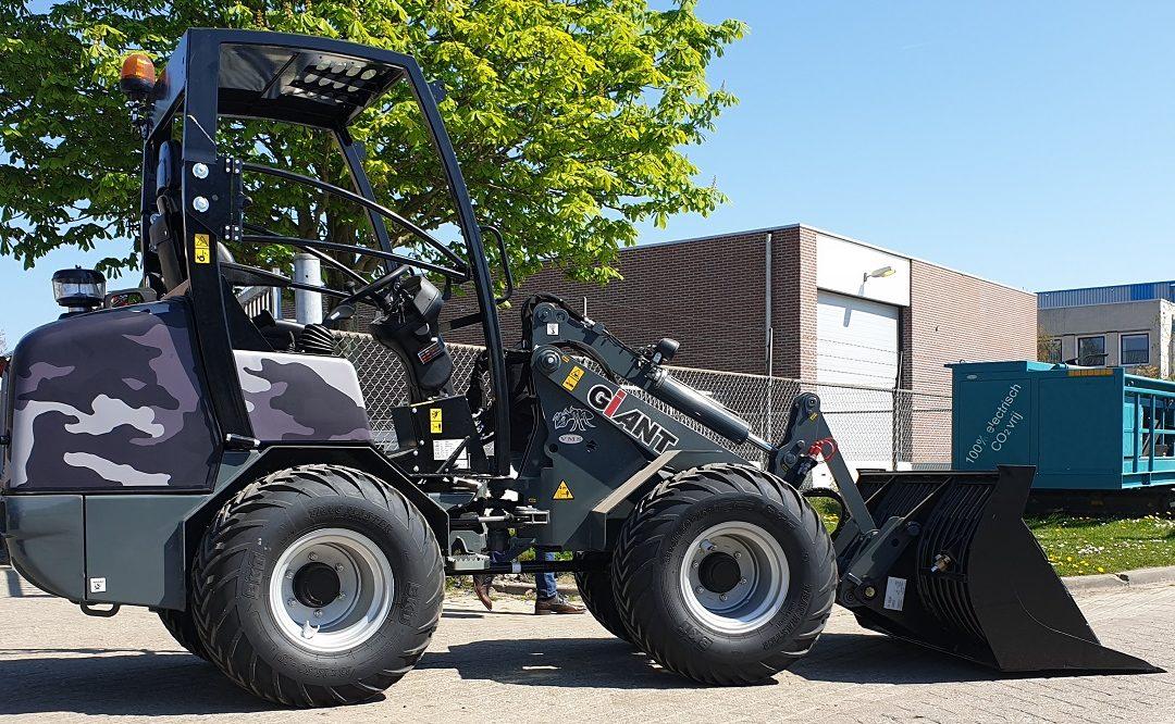 Giant V452T X-tra HD wiellader voor Mooibroek Bestrating