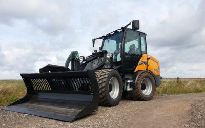 Giant G4500 X-tra wiellader voor Schraag Straatwerk