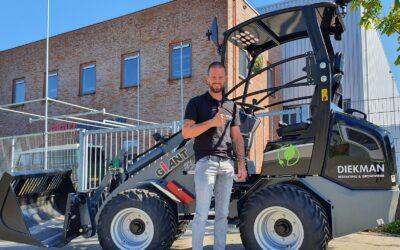 Giant G2200E X-tra voor Diekman Bestrating & Grondwerk