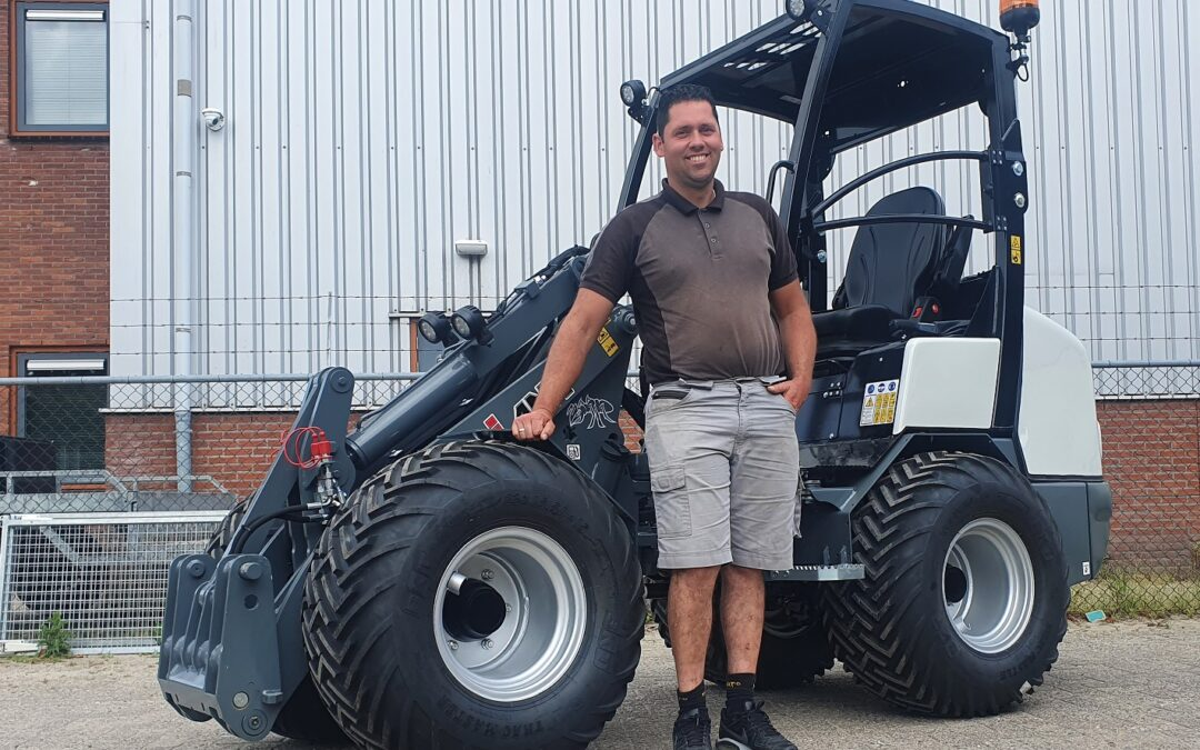 Giant G2500 X-tra HD kniklader voor J&A Infra
